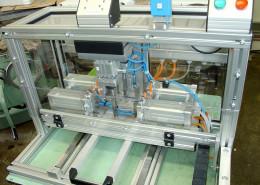 plastove-voditko-montazni-stroj
